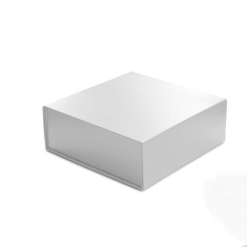 10 x 10 x 4 WHITE LEATHER MAGNETIC GIFT BOX