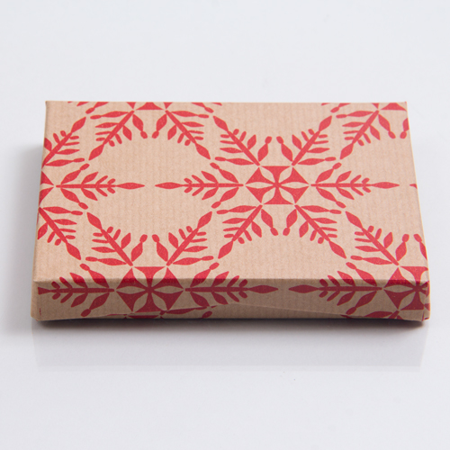 4-5/8 x 3-3/8 x 5/8 KRAFTY RED SNOWFLAKE GIFT CARD BOX WITH POP-UP INSERT
