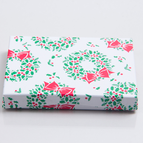 4-5/8 x 3-3/8 x 5/8 RED GREEN WREATH GIFT CARD BOX WITH POP-UP INSERT