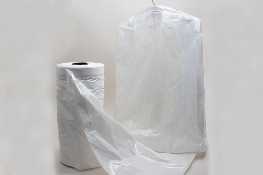 21 X 3 X 54 HEAVYWEIGHT ROLL PLASTIC GARMENT BAGS