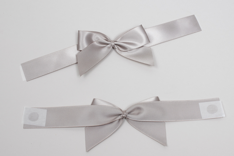"4-1/2 x 2-3/4"" PRE-TIED BOW – SELF-ADHESIVE 1-1/2"" SILVER RIBBON FOR 8"" x 8"" MAGNETIC BOX"